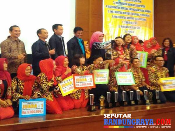 Kota Bandung Juara Umum Apresiasi GTK PAUD dan DIKMAS Berprestasi Jabar 2017