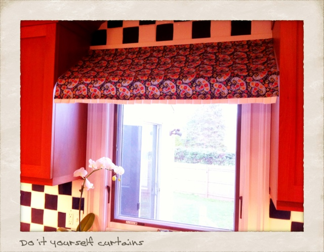 DIY Canopy Curtains ~ Sparkly Polliwog