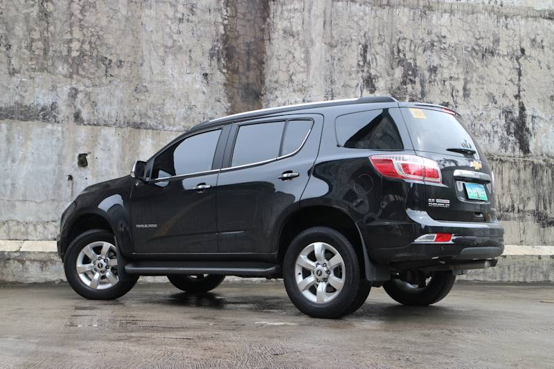2013 Chevrolet Trailblazer 2.8 LTZ vs 2013 Toyota Fortuner 3.0 V | Philippine Car News, Car