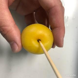 梅酒のレシピ|梅のへた取り