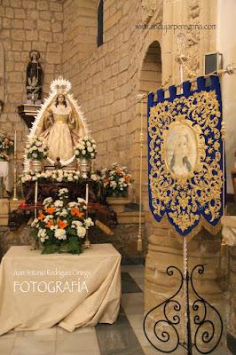 Virgen de la Cabeza y estandarte Baeza