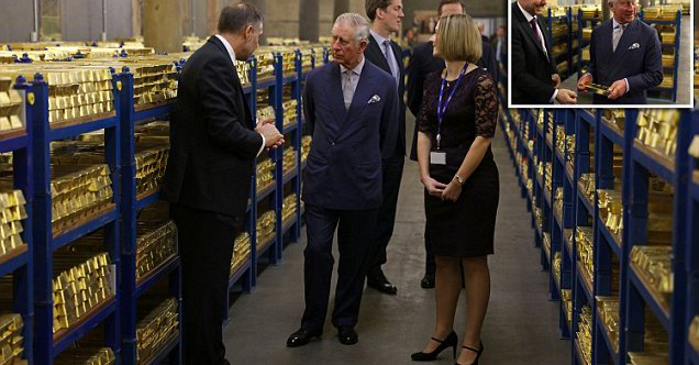 Prince Charles Is Shown Bank Of England S 400 000 Gold Bars