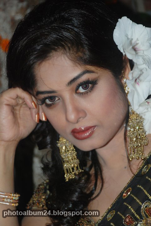 Bangladeshi Movie Actress Mousumi
