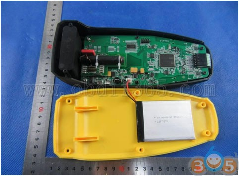 auzone-at60-internal-display-1