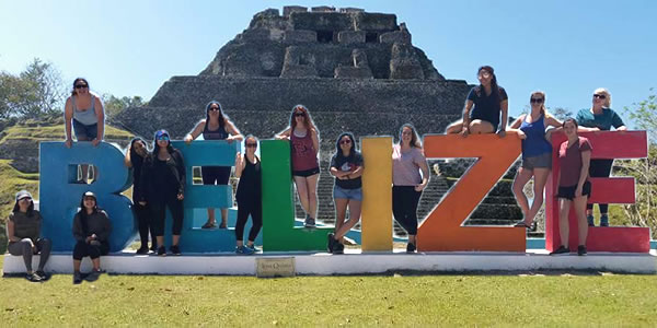 SDSU students in Belize
