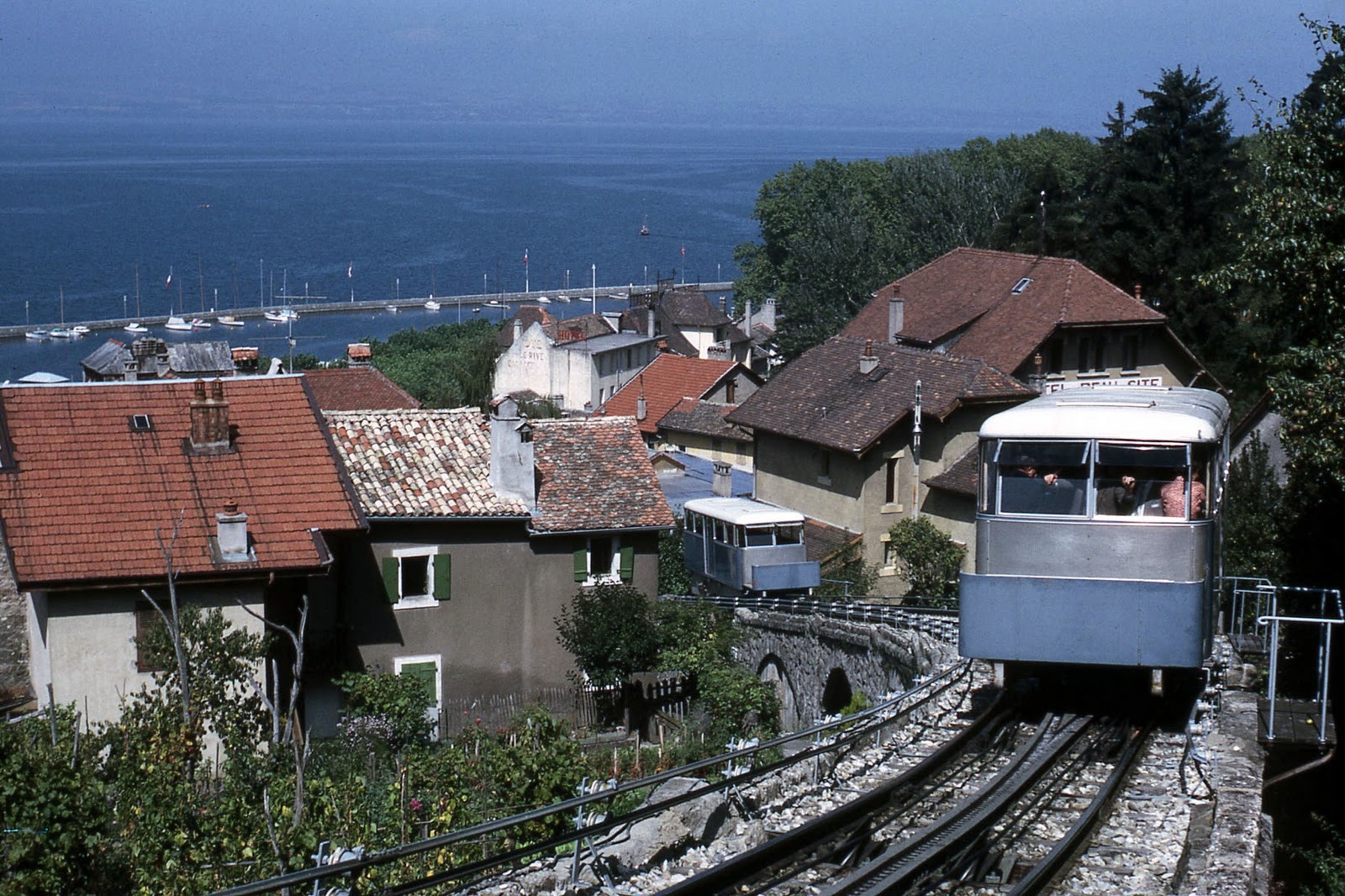 transpress nz the thonon les bains funicular. Black Bedroom Furniture Sets. Home Design Ideas