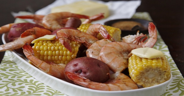 Low Country Seafood Bake Recipe - Yummy Recipes