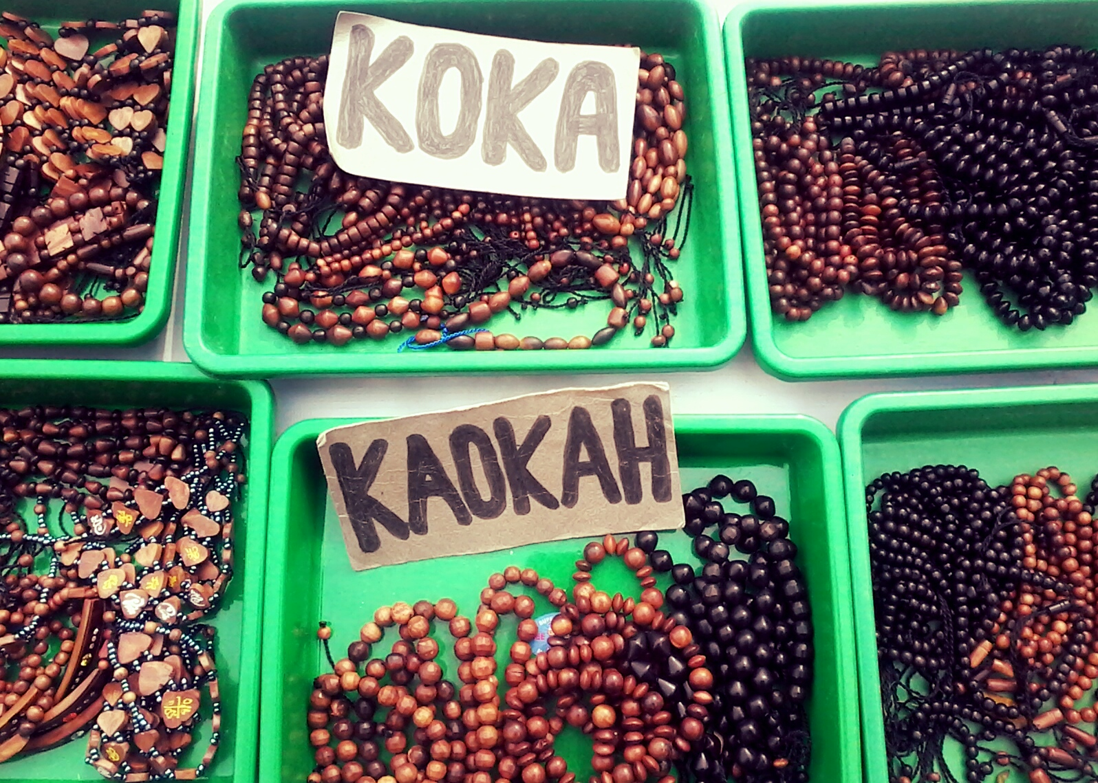 travelplusindonesia  Ini yang Bikin Aksesoris Kayu Kokka Laris Manis ... 86da17945b