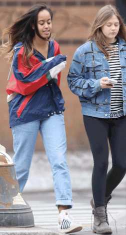 PHOTOS: Obama's First Daughter Malia Spotted With Her Friends In New York 1