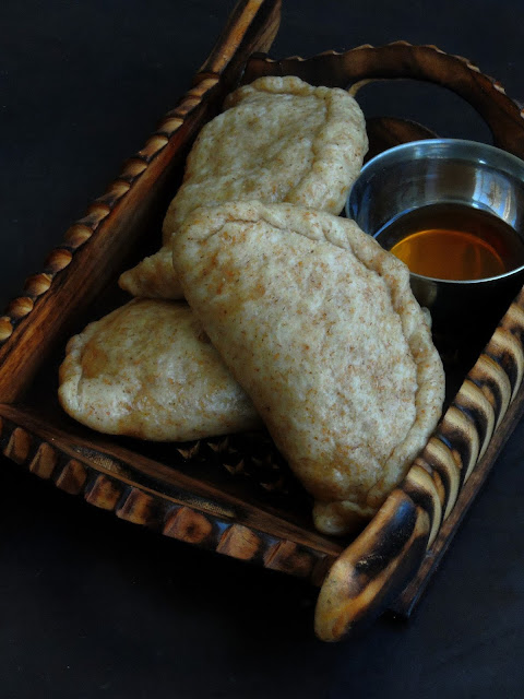 Himachali Steamed Walnut Stuffed Bread, Siddu