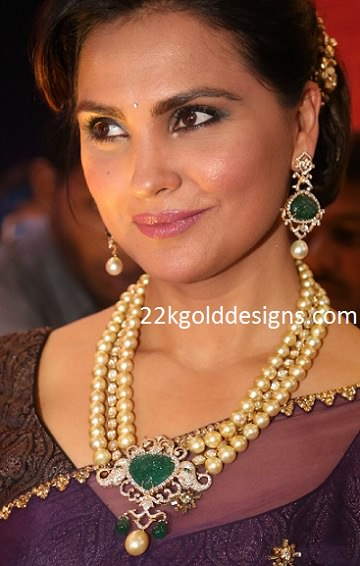 Lara Dutta in Pearl Diamond Necklace