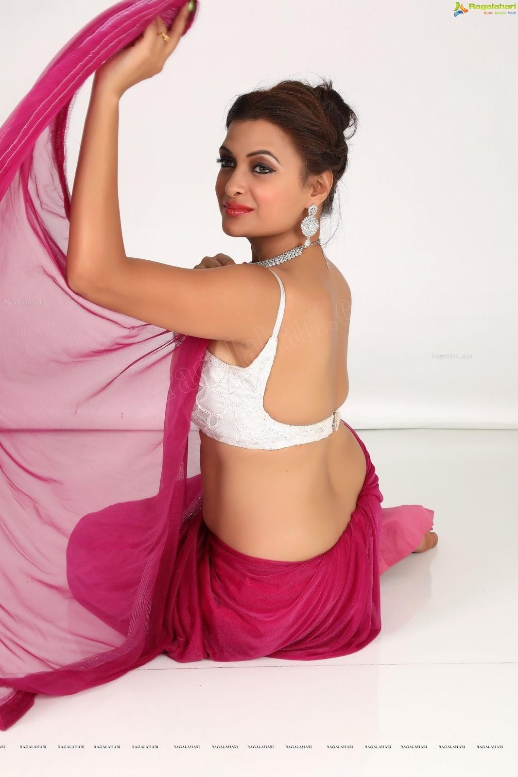 Saree Seduction Sathyamvada In Maroon Saree And Silver -7356