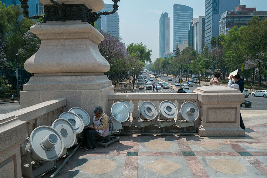 "This Photographer Points His Camera The ""Wrong"" Way At The World's Most Visited Locations - Angel Of Independence, Mexico City, Mexico"