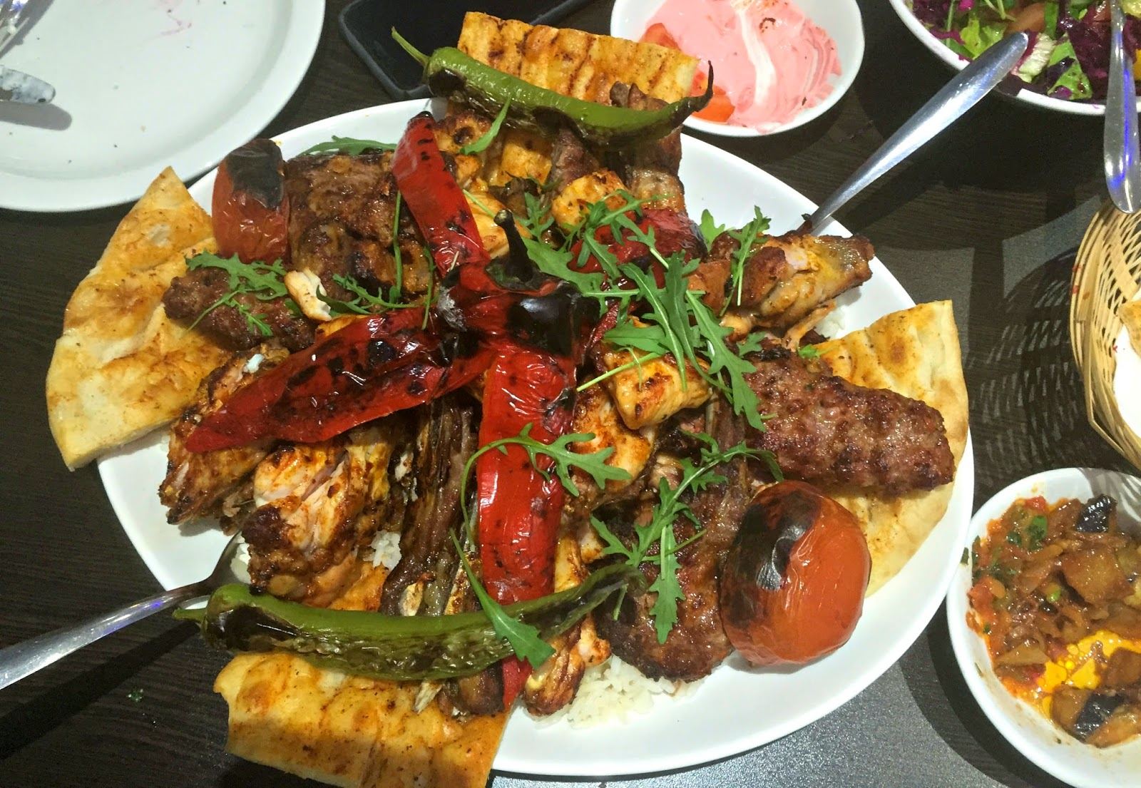 Platter of kebab meat and bread