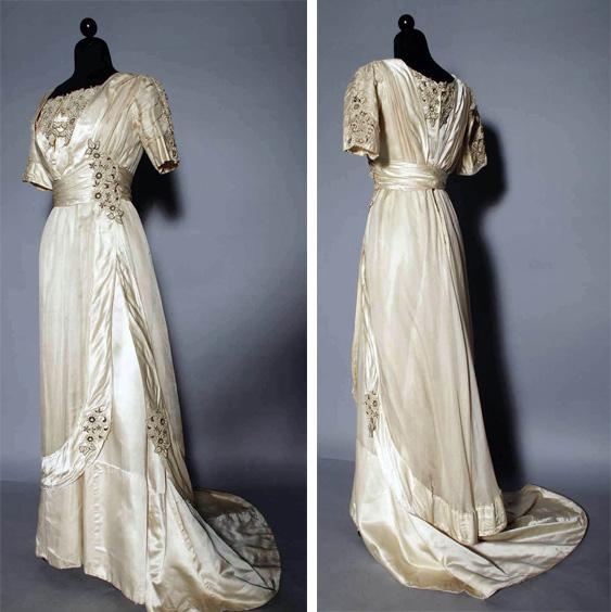 Vestido Branco de 1912 moda, semelhante ao do filme Titanic cena final céu