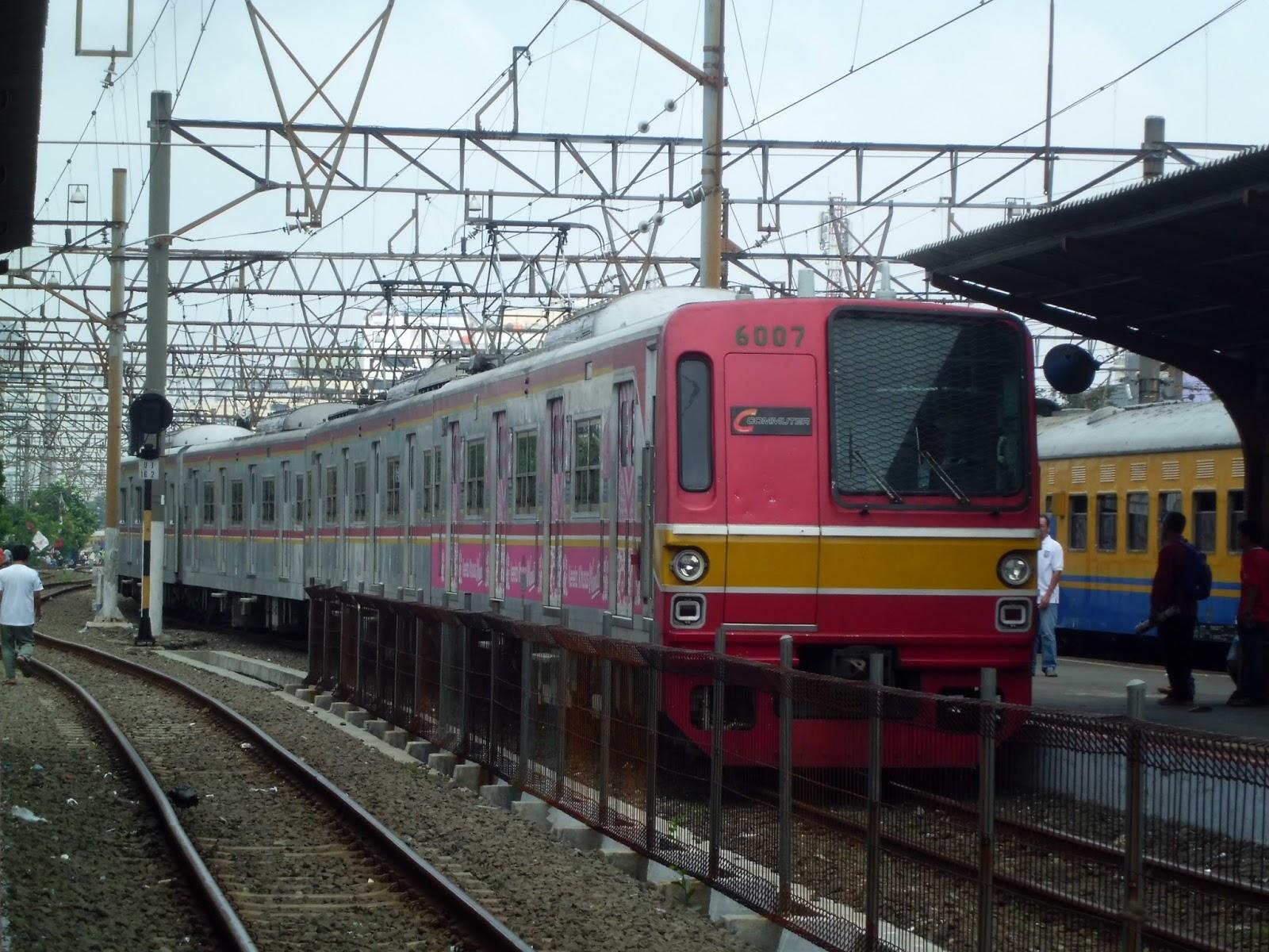 Krl Commuter Line Bekasi Jakarta Kota Akan Dialihkan Lewat Pasar