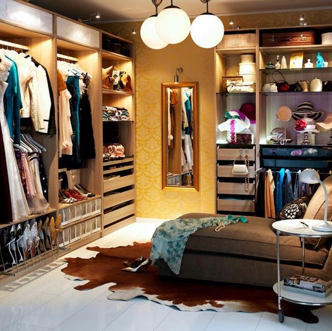 petits espaces am nager un dressing dans une petite chambre d coration maison pas cher. Black Bedroom Furniture Sets. Home Design Ideas