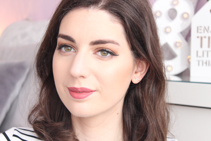 Video: Maquillaje Natural con Too Faced Semi Sweet + Kat von D ...