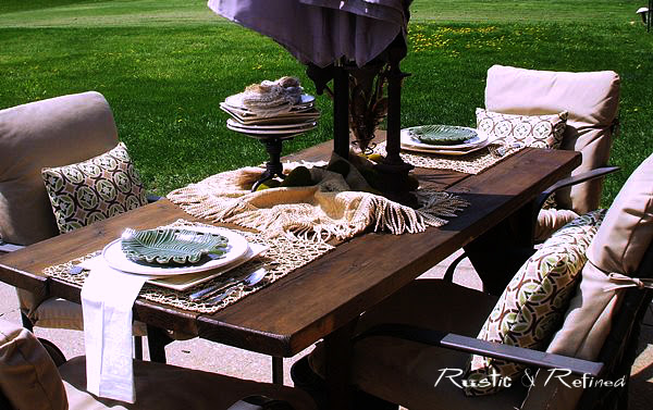 Summer tablescape in the backyard
