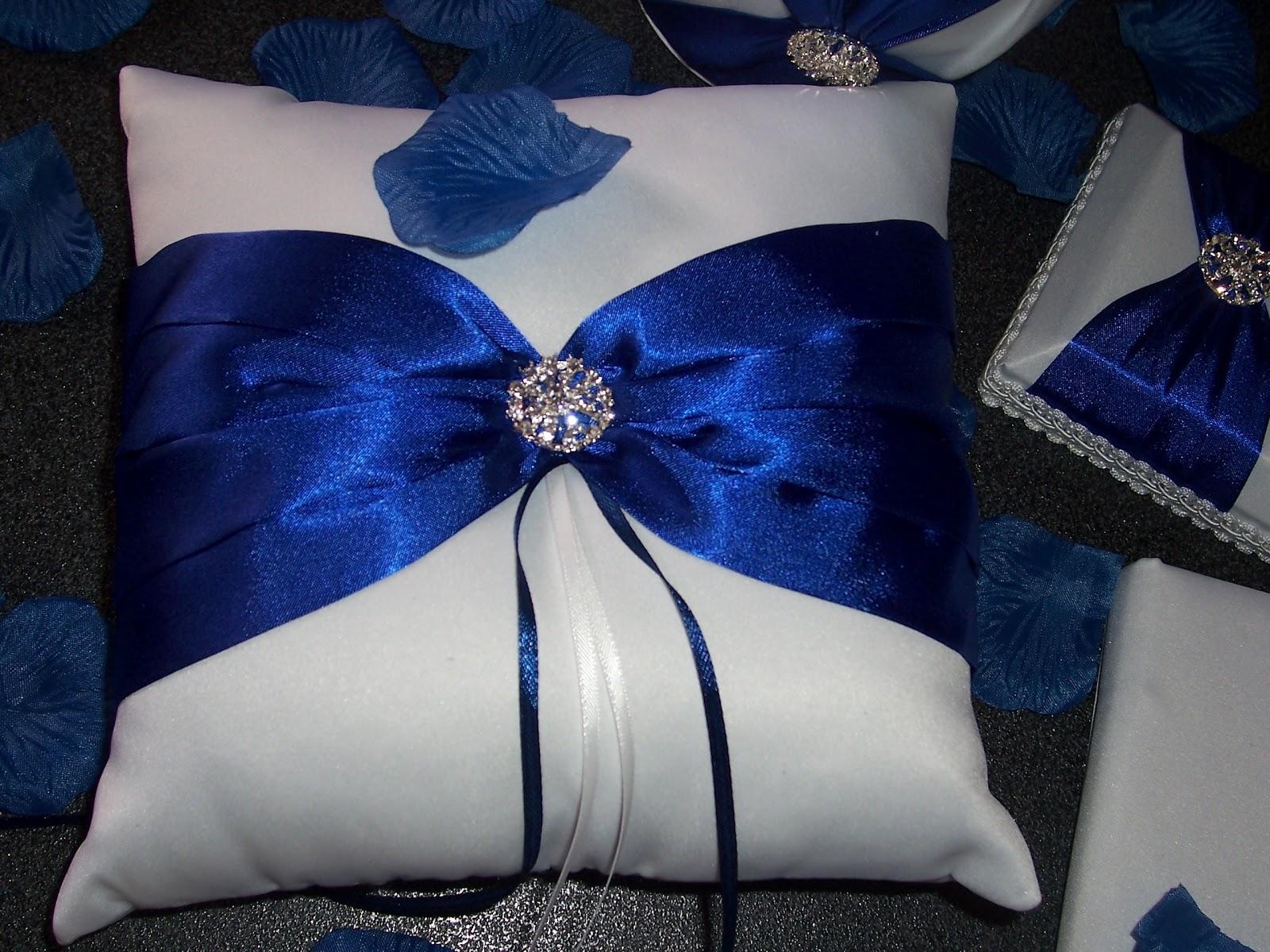 Cuscino Portafedi Bianco E Blu.Ramona Creazioni Wedding Blue Inspiration
