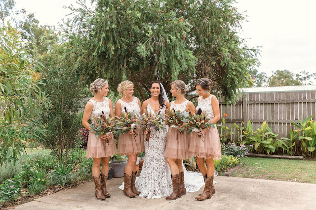 DENIS BANKS PHOTOGRAPHY COUNTRY BOHO WEDDINGS