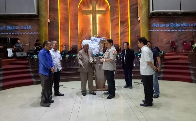 Jelang Natal Kapolsek Karawaci Sambang Gereja GPDI