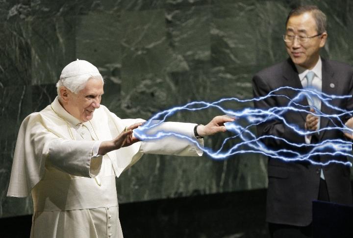 IMAGE(http://2.bp.blogspot.com/-uDH9BLB2lJk/UMbM2_Lo18I/AAAAAAAAL0g/Vl4HellG7Do/s1600/emperor_pope-atine.jpg)