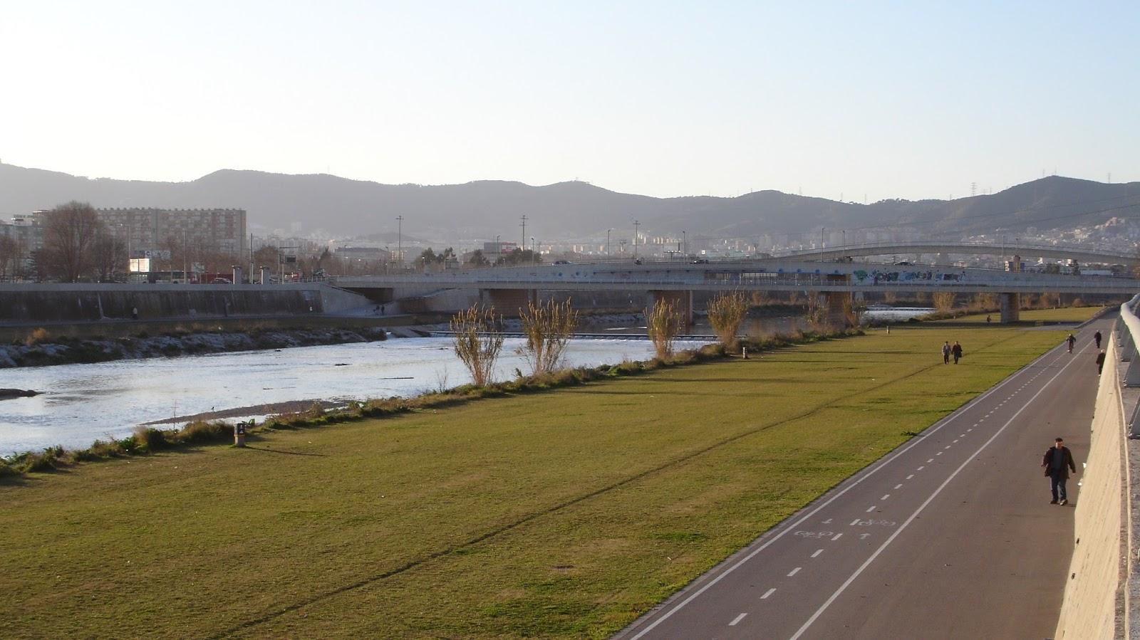 paseo en bicicleta por el río Besós