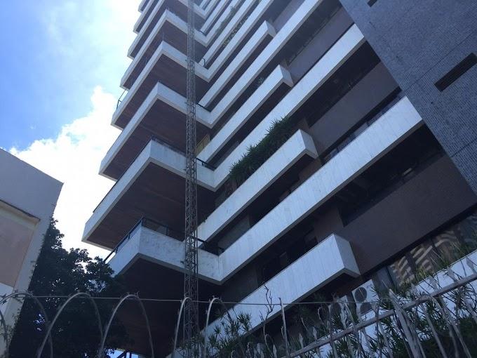 Dois homens morrem após elevador despencar de prédio de luxo em Salvador