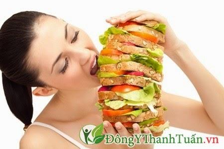 Ăn quá nhiều vào buổi tối - Nguyên nhân gây đau dạ dày