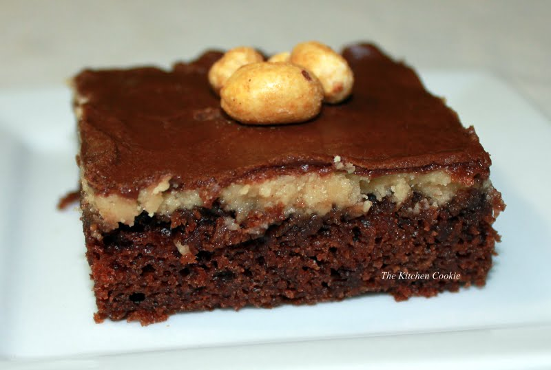 Homemade Chocolate Cake Peanut Butter Frosting: TheKitchenCookie: Texas Sheet Cake With Peanut Butter And