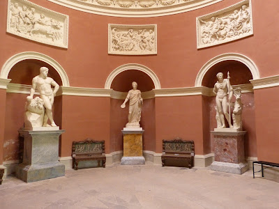 The Pantheon statues at Stourhead restored (2015)
