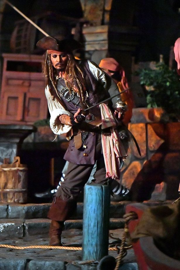 Johnny Depp surprises Disneyland guests on Pirates of the Caribbean ride in full Jack Sparrow costume