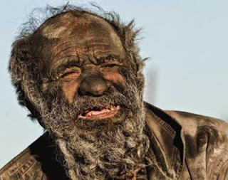 L'uomo che non si lava da più di 60 anni