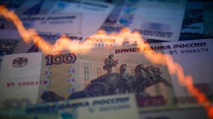 الروبل الروسي يرتفع و يعزز موقعه امام الدولار الأمريكي