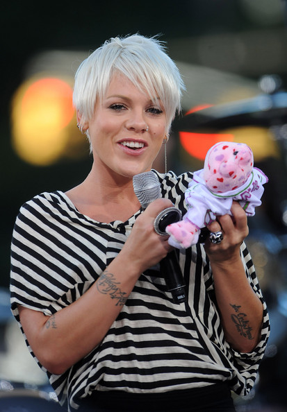 Pictures Of Pink Hairstyles New Haircut Blondelacquer