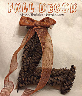 Blog With Friends, Fall Favorites | Fall Wall or Door Decor by Rabia of The Lieber Family Blog | Shared on www.BakingInATornado.com