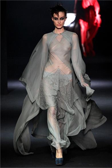 Fashion Through The Decades: John Galliano - Outono/Inverno 2012/2013