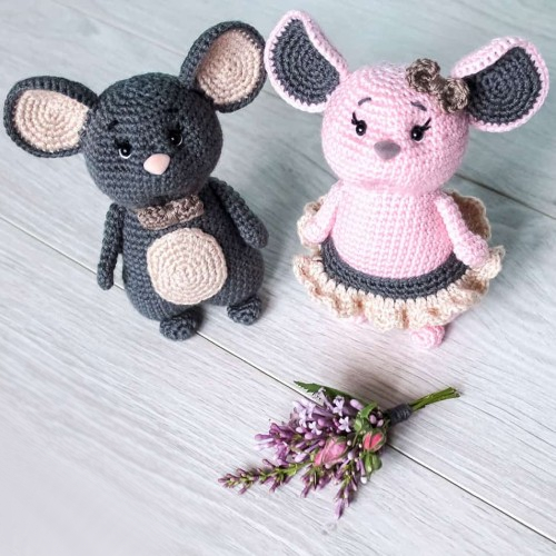 Crochet Mouse Couple - Free Pattern