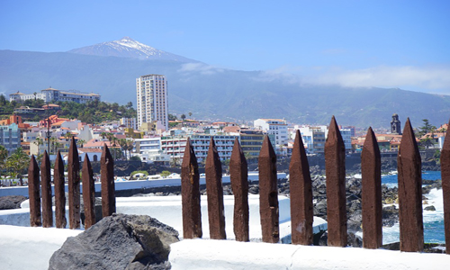 Panorámica del Puerto de la Cruz desde la costa