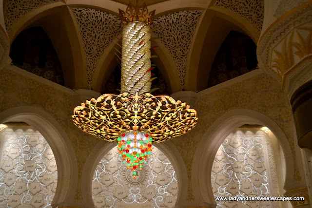 Sheikh Zayed Grand Mosque's largest chandelier
