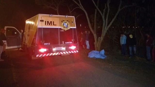 Jovem motociclista morre em Peabiru após colidir com árvore