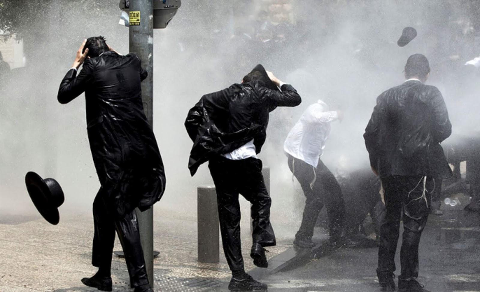 46 orang Yahudi Ortodoks ditahan karena protes terhadap wajib militer ke tentara di Yerusalem