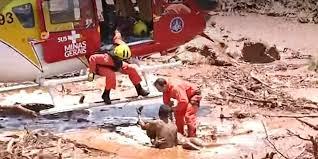 Nove pessoas são resgatadas da lama com vida