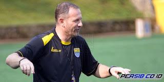 Dejan Antonic Mundur sebagai Pelatih Persib Bandung