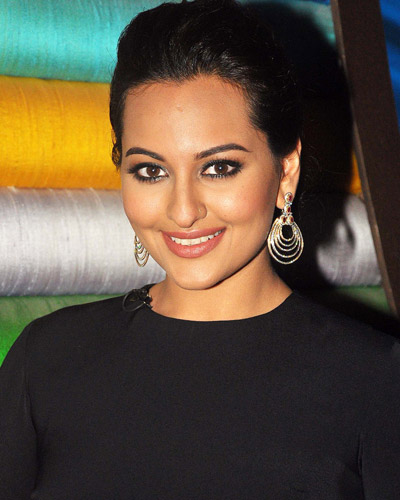 Bollywood actress Sonakshi Sinha Upcoming Movies List 2016 to 2018 Mt Wiki, Akira wikipedia, koimoi, imdb, facebook, twitter news, photos, poster, actress updates
