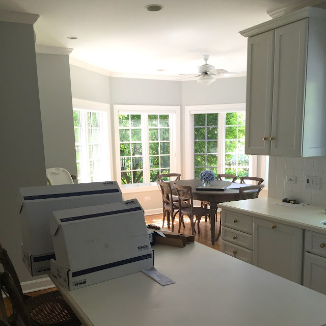 Nantucket style family room and kitchen home with keki for Nantucket style kitchen