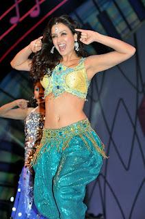 Maryam Zakaria Hot Dance Navel Pics Navel Queens