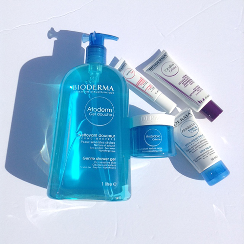 Bioderma would like to offer one of my readers to win a Fall Must Have Prize Pack -Atoderm Gel Douche -Atoderm Mains & Ongles -Cicabio Damaged Skin -Hydrabio Creme -Sensibio Eye
