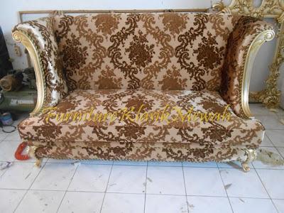 sofa tamu ukiran jati jepara klasik modern duco putih emas silver,furniture klasik mewah,jual mebel jepara010,toko jati,JUAL MEBEL JEPARA,AIFURINDO,MEBEL UKIRAN JEPARA,MEBEL KLASIK,MEBEL DUCO,MEBEL FRENCH,MEBEL KLASIK JEPARA,MEBEL JATI JEPARA KLASIK MODERN.